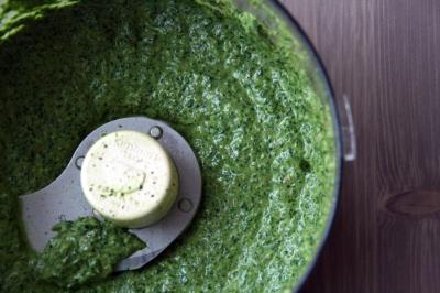Arugula Pesto - Pesto in mixer