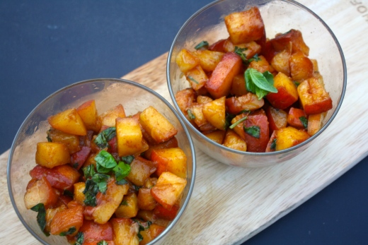 marinated-peaches-main